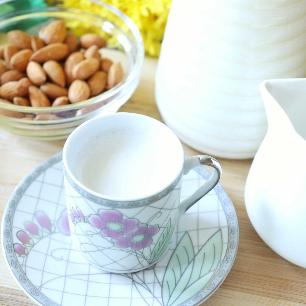 Delicious, creamy homemade almond milk recipe