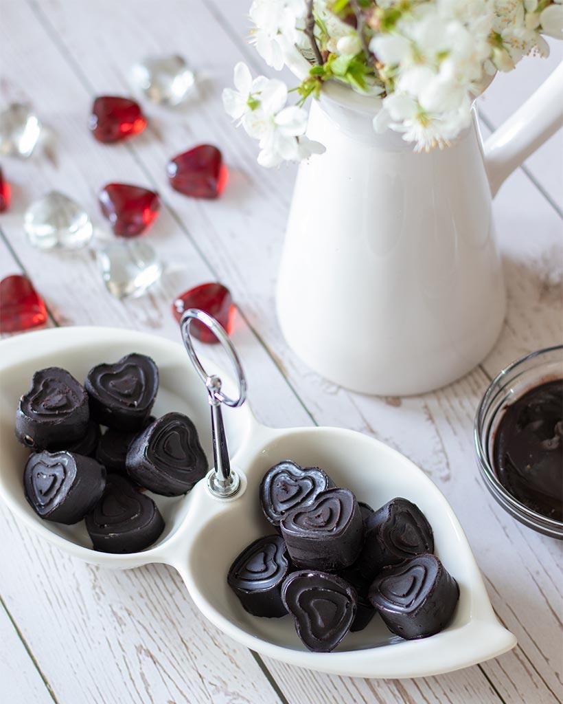 Naturally sweetened decadent dessert. Easy vegan sugar free treat