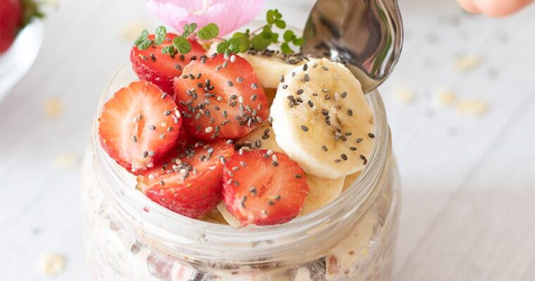Make-Ahead Vegan Strawberry Overnight Oats (No Cooking Required!)