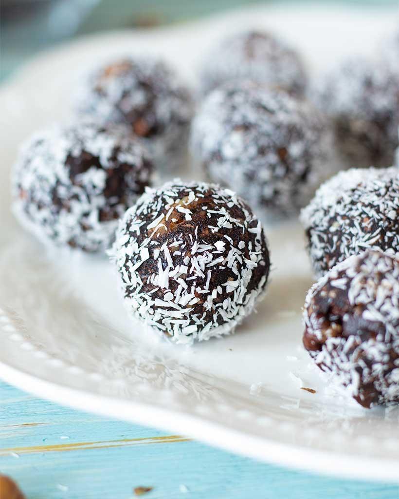 Vegan chocolate coconut balls with dates