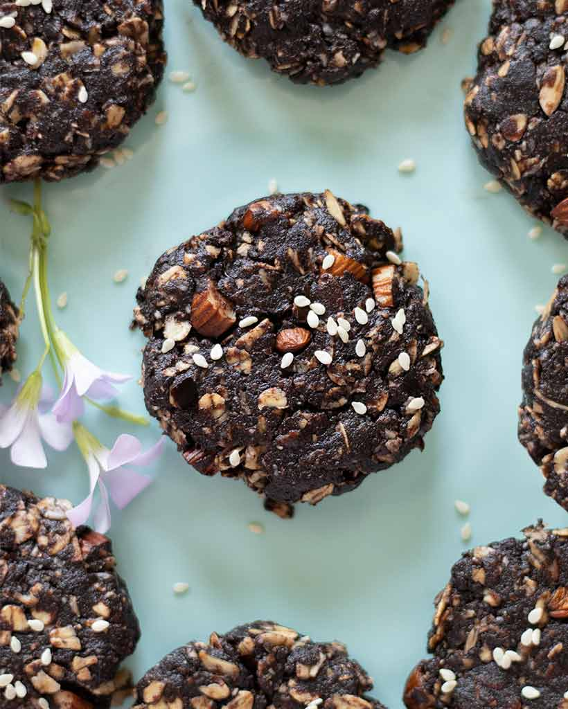 Healthy , raw and vegan cookies with tahini and gluten-free oats