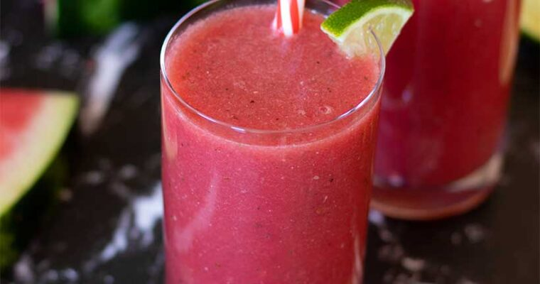 Watermelon Smoothie Recipe (Easy Summer Drink)