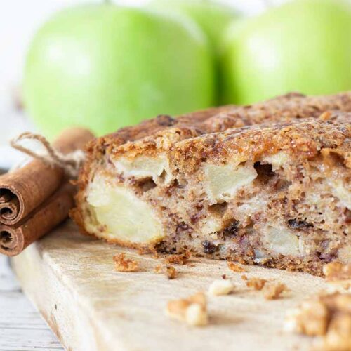 Apple cake with cinnamon and walnuts. Easy and healthy breakfast cake .